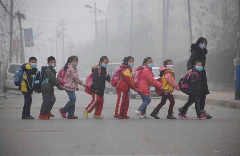 china-pollution-w-masks-2016-09-04